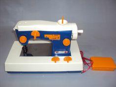 Brinquedo Antigo, Máquina De Costura Da Estrela. - R$ 170,00 no MercadoLivre