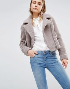 Buy Lost Ink Cozy Biker Jacket at ASOS. With free delivery and return options (Ts&Cs apply), online shopping has never been so easy. Get the latest trends with ASOS now. Biker Jacket Outfit, Moto Jacket, Motorcycle Jacket, Fashion 2020, Fashion Online, Faux Shearling Jacket, Faux Fur, Peau Lainee, Color Beige
