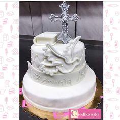 Tort na I Komunie Świętą.  Cukiernia A. Cieślikowski od 1969 roku tworzy torty na specjalne okazję. Pracownia mieści się w Warszawie.