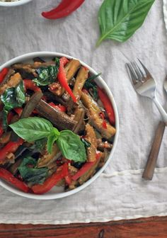 Spicy Eggplant with Red Bell Pepper and Thai Basil - Girl Cooks World. Having such a craving for thai food. I had this for my first time on tuesday and it was so yummy I had it again the next two nights! Thai Spicy Eggplant Recipe, Thai Eggplant, Eggplant Dishes, Spicy Thai, Eggplant Recipes, Chinese Eggplant, Eggplant Salad, Spicy Recipes, Asian Recipes