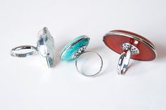 DIY Oversized Cocktail Rings from ~ Cheap, Easy, and awesome! By @natalme www.oneshetwoshe.com #crafts #jewelry