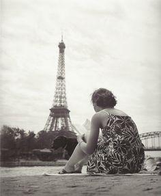 TBT: Vintage Photos of Paris to Celebrate the Anniversary of the Eiffel Tower : Condé Nast Traveler Tour Eiffel, Paris Torre Eiffel, Oh Paris, I Love Paris, Beautiful Paris, Old Photos, Vintage Photos, Rio Sena, Paris Photos