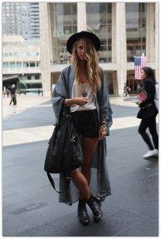 I do not know what this Neo-grunge style is, but GIVE ME that denim shirt jacket thing PLEASE!!