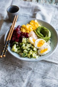 The best poke bowl ever is this simple version which uses cauliflower rice instead of sushi rice. Top it with your favorites and dive in! Poke Bowl, Healthy Cooking, Healthy Eating, Clean Eating, Raw Food Recipes, Healthy Recipes, Crockpot Recipes, Healthy Foods, Morning Food