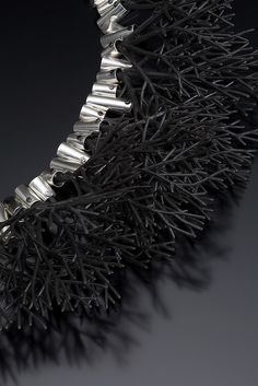 Jewelry | Jewellery | ジュエリー | Bijoux | Gioielli | Joyas | Art | Arte | Création Artistique | Precious Metals | Jewels | Settings | Textures | Sarah Hood Jewelry (detail) http://www.sarahhoodjewelry.com/