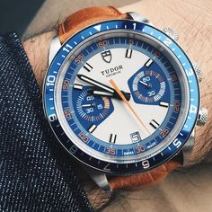 luxury watches for men automatic Watches For Men Unique, Vintage Watches For Men, Stylish Watches, Cool Watches, Men's Watches, Swiss Luxury Watches, Luxury Watches For Men, Beautiful Watches, Swiss Watch