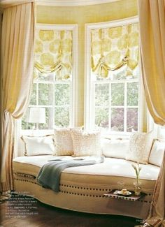 A home may not always be complete without a bay window seat. Whether it is a house or an apartment, you can have at least one. Make sure that these bay window seats are suitable for the whole conce… Home Theaters, Living Spaces, Living Room, My Dream Home, Family Room, Sweet Home, New Homes, Art Deco, Lounge