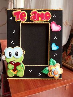 Origami Videos, Weird Gifts, Baby Boy Shower, Picture Frames, Diy Home Decor, Diy And Crafts, Valentines Day, Art Deco, Scrapbook