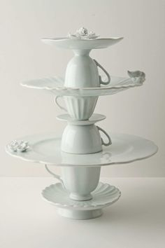 DIY dessert stands using plates and tea cups