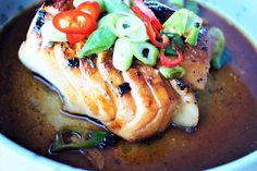 Seafood Dinner, Salmon Burgers, Yummy Food, Dining, Ethnic Recipes, Wine, Food, Delicious Food