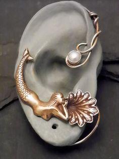 Golden Ocean Pearl Ear Wrap  MERMAID  Brass by SunnySkiesStudio, $48.95 Jewelry Box, Jewelry Accessories, Jewelry Design, Jewelry Making, Unique Jewelry, Jewlery, Bling Bling, Mermaid Jewelry, Bracelets