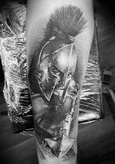Resultado de imagem para tatuagem caveira espartana