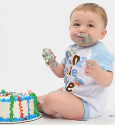 Bring on the Cake Boys Cake Smash Bodysuit will delight everyone on this special day for baby. An adorable way to remember, his 1st Birthday Cake Smash