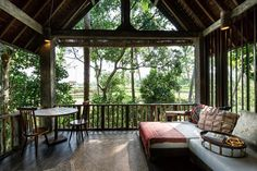 Boutique Hotel Ubud with four unique luxury rooms surrounded by lush jungles and emerald green rice paddies. Book your stay at Stonehouse Bali. Located north of Ubud.