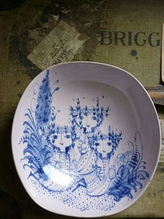 I have been collecting Scandinavian ceramics for some time and have acquired quite a few pieces designed by Bjorn Wiinblad, mostly those he . Pottery Bowls, Ceramic Pottery, Nordic Design, Scandinavian Design, Arte Popular, Vintage Love, Danish Design, Illustrators, Designer