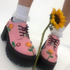 Pretty Shoes, Cute Shoes, Me Too Shoes, Aesthetic Shoes, Aesthetic Clothes, Pink Outfits, Cute Outfits, Sock Shoes, Shoes Heels