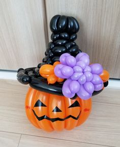 Halloween Balloons, Halloween Party, Balloon Flowers, Diy And Crafts, Characters, Wreaths, Balloon Arch, Globe Decor, Door Wreaths