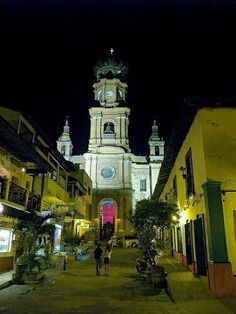 La patrona es la Virgen de Guadalupe, Puerto Vallarta, #México.Eliza Bracho Puerto Vallarta saint is the Virgin of Guadalupe Tour By Mexico - Google+