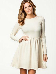 Shoppe Dress - Just Female - Creme - Kjoler - Klær - Kvinne - Nelly.com