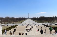 This is the view when you exit the Lincoln Memorial. If you have the time and the sun is there, just take some minutes to sit and admire!