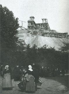 Le Sacré-Coeur en construction vers 1886. Le photographe, Hippolyte Blancart, se trouve rue du Chevalier-de-La-Barre  (Paris 18ème)
