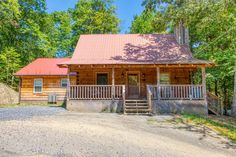 Cozy Cub :: Bear Camp Cabin Rentals Comedy Barn, Hatfields And Mccoys, Smoky Mountains Cabins, Mountain Vacations, Jacuzzi Tub, Screened In Porch, Queen, Cabins In The Woods, Cabin Rentals