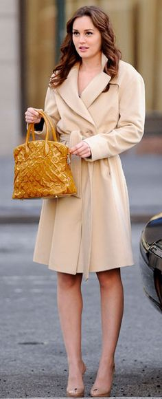 It's not like Leighton Meester is SN, it's about the look. I think it's really nice for SN lady - a bit sensual (it seems that the coat is worn on the naked body, with slightly unconstructed cut, defined waist, natural makeup and loose hair, the bag adds some brightness and texture. Simple, but vivid and classy