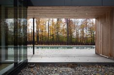 This modern family retreat located on a large wooded lot near Sutton in the Eastern Townships region, Canada, features extensive glazing. Architecture Details, Interior Architecture, Interior Design, Amazing Architecture, Oklahoma, Canton, Walter Gropius, Common Area, Modern Family