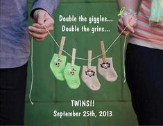 11 Ways to Announce Your Pregnancy With Photos - Clothesline Shot