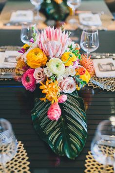 Bright Tropical Centerpieces | AS EVER PHOTOGRAPHY | http://knot.ly/6496Bv7gE