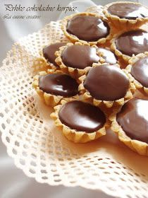 By Creative Cuisine: lovely chocolate tarts for tea time - Nourished from NY to Nashville - macedonian food Mini Desserts, Low Carb Desserts, Chocolate Desserts, Chocolate Tarts, Baking Recipes, Cookie Recipes, Kiflice Recipe, Low Carb Brasil, Macedonian Food