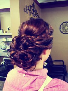 Beautiful up due for prom, homecoming, or weddings!!