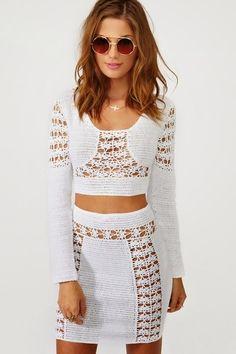 crochelinhasagulhas: Top y falda de crochet blanco por Natsy Gal