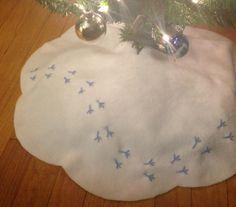 Birdie Tracks Christmas Tree Skirt