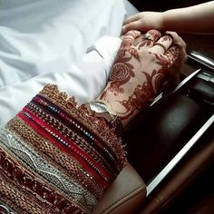 ✨Pinterest:Kubra Yousuf✨ Bridal Henna Designs, Mehndi Designs For Hands, Mehandi Designs, Cute Muslim Couples, Cute Couples Goals, Henna Mehndi, Mehendi, Best Couple Photos, Couple Pictures