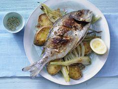 Doraden aus dem Ofen - mit Fenchel - smarter - Kalorien: 405 Kcal - Zeit: 25 Min. | eatsmarter.de