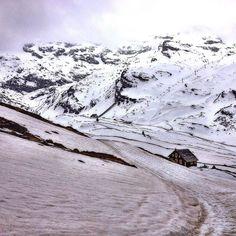 Holiday starts - #finkenberg #stockresort #ski #oesterreich #zillertal #tirol #visitaustria #snow #snowing #snowfall #winter #holidays #wintertime #instasnow #instawinter #nature #igeraustria #mountains #österreich #austria #hiking #adventures  #beautiful #amazing #photooftheday #pictureoftheday #picoftheday #bestoftheday #instalike #instadaily