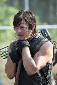 Daryl and Beth Run and Hide in The Walking Dead Season 4 Teaser — What's Going On