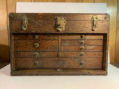 "Vintage 20"" Union B-20 Oak 7-Drawer machinist Tool Chest Box Toolbox #Gerstner Sheet Metal Cutter, Machinist Tool Box, Schlitz Beer, Toolbox, Leather Handle, Drawers, Storage, Ebay, Furniture"