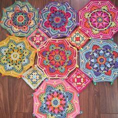 Transcendent Crochet a Solid Granny Square Ideas. Inconceivable Crochet a Solid Granny Square Ideas. Crochet Quilt Pattern, Granny Square Crochet Pattern, Crochet Blocks, Crochet Squares, Crochet Blanket Patterns, Crochet Granny, Crochet Motif, Diy Crochet, Crochet Doilies