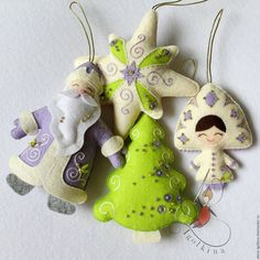 Купить или заказать Елочные игрушки из фетра (4 шт.) в интернет-магазине на Ярмарке Мастеров. Набор ёлочных украшений из фетра. Такие игрушки безопасны для детей, будут отлично смотреться на любой ёлке. Также можно заказать петушков. Изготовлю в любом цвете. Цена за 4 игрушки. Игрушки можно приобрести отдельно.