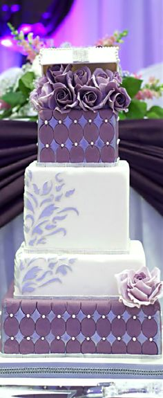 Wedding ● Cake ● Purple