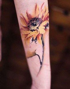Risultati immagini per tatuaggio girasole