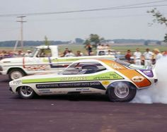 "Steve Tansy's ""International Championship Auto Shows"" 'Cuda F/C,warming the hides."
