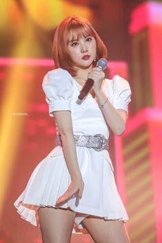 Check out GFriend @ Iomoio Kpop Girl Groups, Kpop Girls, Gfriend And Bts, G Friend, Beautiful Asian Girls, Girls Generation, Nice Tops, Asian Beauty, South Korean Girls