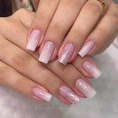 Gold Acrylic Nails, Acrylic Nail Tips, Ombre Nail Art, Glitter Ombre Nails, Nail Polish, Nail Manicure, Uv Gel Nails, Nail Art Designs Videos, Nail Designs