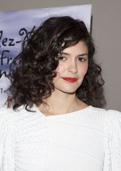 Audrey Tautou at the 2012 screening of 'Delicacy'. http://beautyeditor.ca/2015/10/17/best-hairstyles-medium-curly-hair