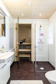 Suometar-talo (2h+k+s, 81,5 m²+yläkerta 38 m²) Alcove, Bathtub, Cabinet, Bathroom, Storage, Furniture, Home Decor, Standing Bath, Clothes Stand