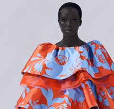 Carolina Herrera: De la alta costura a las batas y mascarillas sanitarias - Noticias : industrie (#1206115) Paco Rabanne, Jean Paul Gaultier, Wes Gordon, Ch Carolina Herrera, The Chic, Creative Director, Ball Gowns, Ready To Wear, Bring It On
