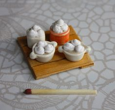 Lasituvan Miniatyyrit: Miniruokaa - Miniature desserts 1/12